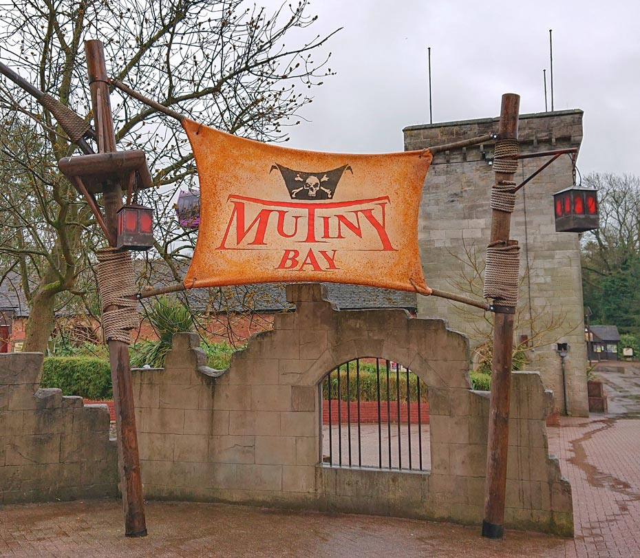 Entrance to Mutiny Bay